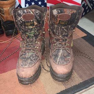 camo cabelas boots